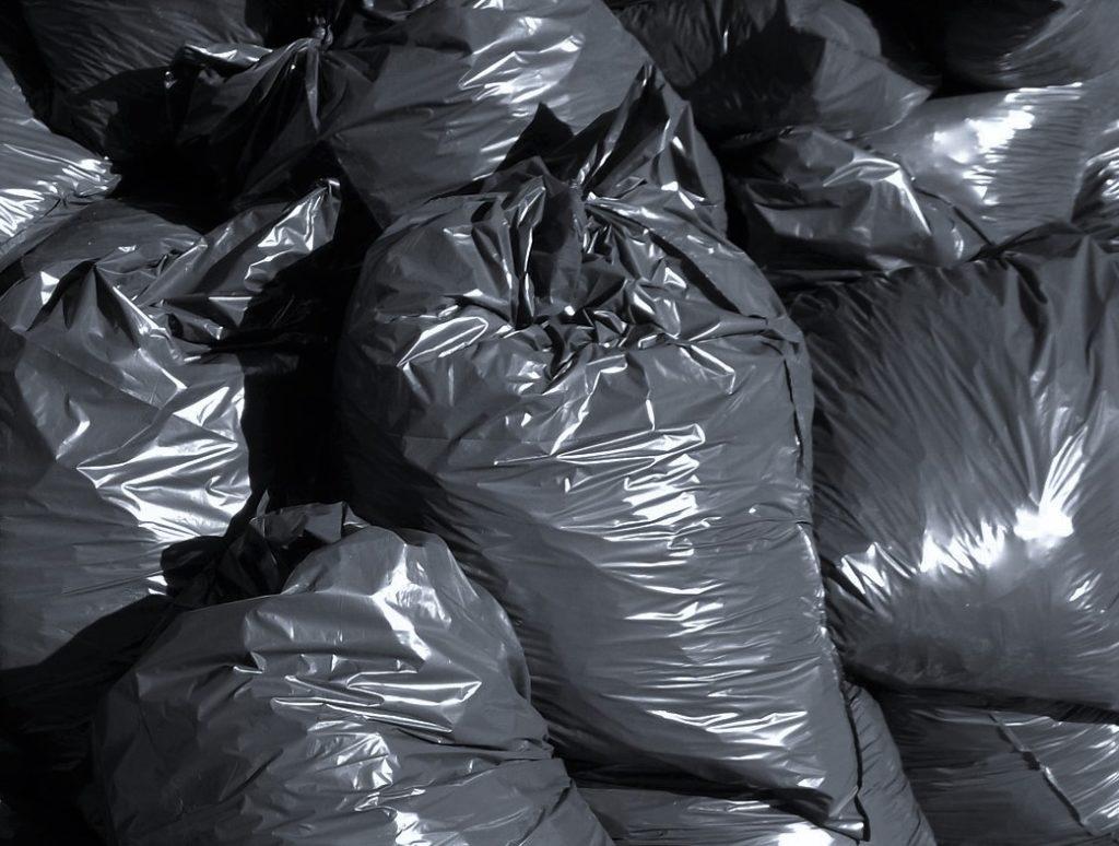 worki na śmieci plastikowe 500 lat rozkładu